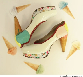 Cute pumps (photo from Virtual Shoe Museum)